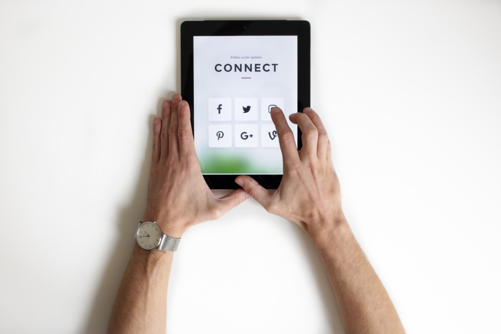 Connecting on an ipad with social media